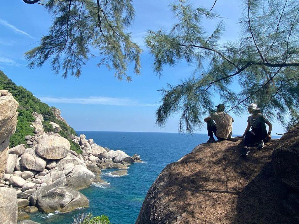เบลล่า ราณี ที่โชว์รูปเต็มๆกับทริปไปเที่ยวทั้งทั้งทะเล ทั้งเดินป่า กับ พี่เวียร์