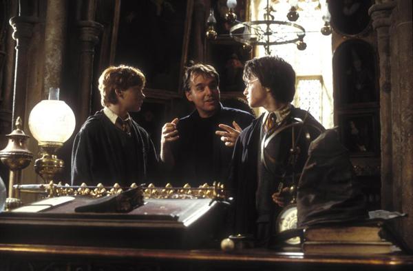 คริส โคลัมบัส ที่เคยกำกับเรื่องแฮร์รี่ พอตเตอร์ในสองภาคแรกอย่างศิลาอาถรรพ์กับห้องแห่งความลับ